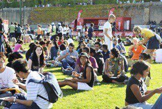 Estudiantes en una barbacoa de UCT