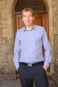 Simon Harrison | Direktor und Referatsleiter