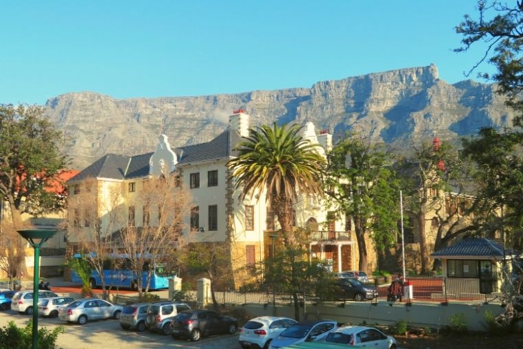 Rosedale Building, on UCT Hiddingh Campus, with Table Mountain in the background